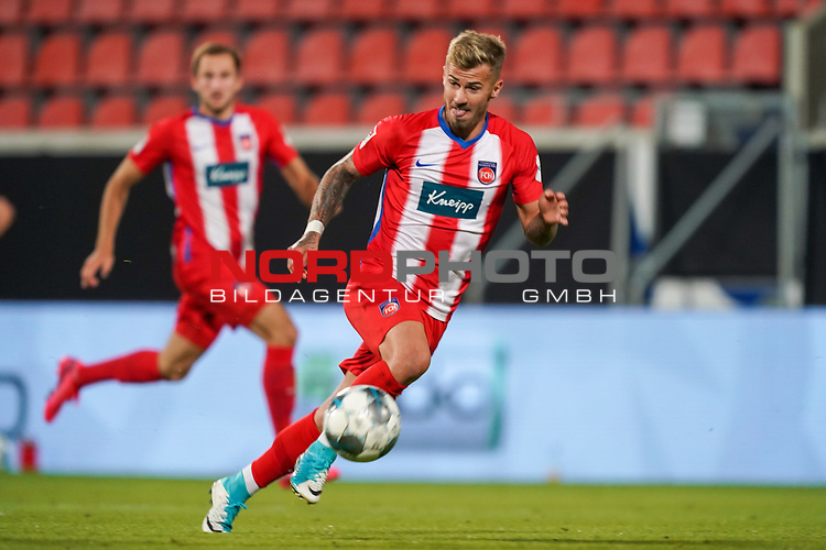 Sebastian Griesbeck (1. FC Heidenheim 1846 #18)<br /> <br /> <br /> Sport: nphgm001: Fussball: 1. Bundesliga: Saison 19/20: Relegation 02; 1.FC Heidenheim vs SV Werder Bremen - 06.07.2020<br /> <br /> Foto: gumzmedia/nordphoto/POOL <br /> <br /> DFL regulations prohibit any use of photographs as image sequences and/or quasi-video.<br /> EDITORIAL USE ONLY<br /> National and international News-Agencies OUT.