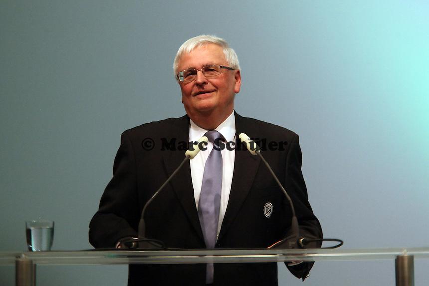 DFB-Präsident Dr. Theo Zwanziger bei seiner Abtrittsrede