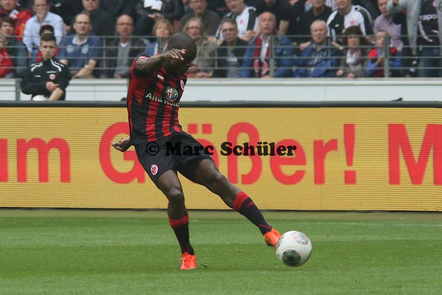 Constant Djakpa (Eintracht) zieht ab - Eintracht Frankfurt vs. 1. FSV Mainz 05
