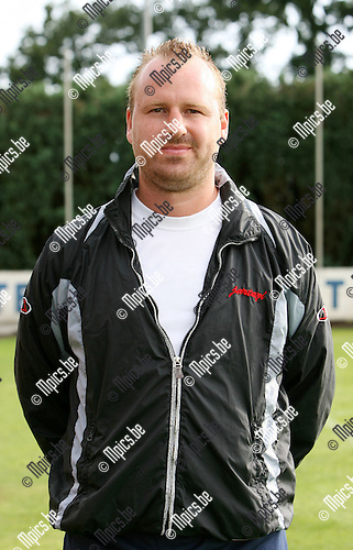 2009-07-21 / Seizoen 2009-2010 / Voetbal / KFC Nieuwmoer / Hulptrainer Steven Ibens..Foto: Maarten Straetemans (SMB)