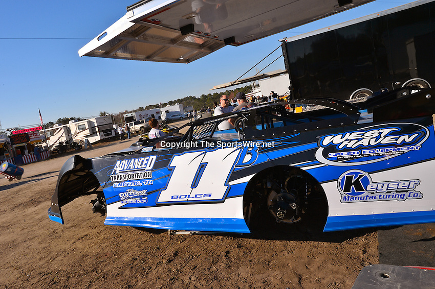 Feb 17, 2014; 4:32:32 PM;  Barberville, FL, USA;  World of Outlaws Late Model Series for 43rd Annual DIRTcar Nationals presented by Summit Racing Equipment at Volusia Speedway Park.  Mandatory Credit: (thesportswire.net)