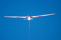 K 8: EUROPA, DEUTSCHLAND, HAMBURG 24.09.2005:Bundesjugendvergleichsfliegen 2005 in Hamburg Boberg, Segelflugzeug, K 8 im Windenstart