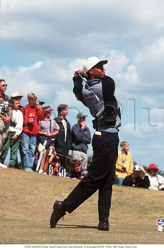 TIGER WOODS (USA) drives, British Open Golf Championship, St Andrews, 950723. Photo: Neil Tingle/Action Plus...1995.golf.golfer golfers