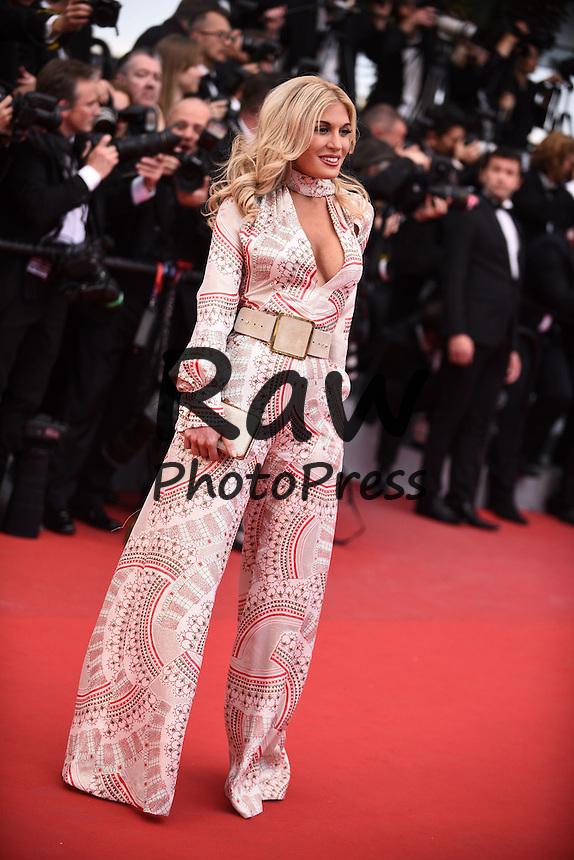 Se ha presentado la pel&iacute;cula Irrational Man en el Festival de Cannes 2015.<br /> <br /> 196884 De Rosa-Garcia / Starface 2015-05-15 <br /> Cannes France<br /> 68th Annual Cannes Film Festival. Red Carpet &quot;Irrational Man&quot; movie. 68&egrave;me Festival International du film de Cannes. Mont&eacute;e des marches du film &quot;Irrational Man&quot;.
