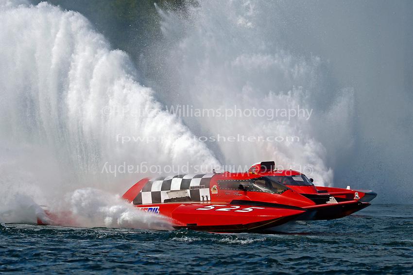 "Tom Thompson, GP-525 ""Fat Chance"", Andrew Tate, GP-101 ""Fat Chance Too"" (Grand Prix Hydroplane(s)"