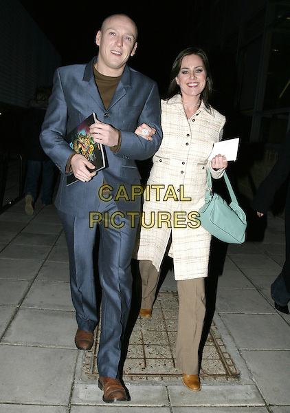 "JILL HALFPENNY.Leaving performance of ""Drallion"", Cirque du Soleil, Royal Albert Hall, London, January 6th 2005..full length boyfriend?  green turquoise bag.Ref: AH.www.capitalpictures.com.sales@capitalpictures.com.©Capital Pictures."