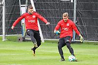 Ante Rebic (Eintracht Frankfurt) gegen Torwart Jan Zimmermann (Eintracht Frankfurt) - 10.10.2017: Eintracht Frankfurt Training, Commerzbank Arena