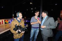 SCHAATSEN: ZAANDAM: 08-10-2013, Taets art Gallery, Perspresentatie Team Beslist.nl, Directeur Kees Verpalen wordt geïnterviewd door POW Nieuws, ©foto Martin de Jong