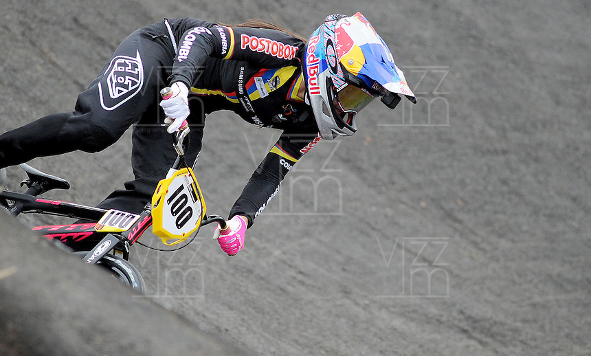 MEDELLIN- COLOMBIA -29-05-2016: Mariana Pajon (COL) durante su participación en la categoría elite mujeres en el marco del Campeonato Mundial de BMX 2016 que se realiza entre el 25 y el 29 de mayo de 2016 en la ciudad de Medellín. / Mariana Pajon (COL) during her performance in the women elite's categories as part of the 2016 BMX World Championships to be held between 25 and 29 May 2016 in the city of Medellin. Photo: VizzorImage / Cristian Alvarez / CONT