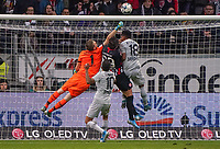 Torwart Lukas Hradecky (Bayer Leverkusen) kläerrt gegen Goncalo Paciencia (Eintracht Frankfurt) - 18.10.2019: Eintracht Frankfurt vs. Bayer 04 Leverkusen, Commerzbank Arena, <br /> DISCLAIMER: DFL regulations prohibit any use of photographs as image sequences and/or quasi-video.