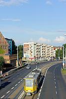 Stra&szlig;enbahn auf der Wyszynskiego-Stra&szlig;e in Stettin (Szczecin), Woiwodschaft Westpommern (Wojew&oacute;dztwo zachodniopomorskie), Polen, Europa<br /> streetcar on Wyszynskiego steet in Szczecin, Poland, Europe