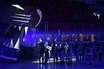 Torwart Jochen Reimer (Nr.32 - ERC Ingolstadt) läuft zwischen Spalierkindern ein beim Spiel in der DEL, ERC Ingolstadt (dunkel) - Duesseldorfer EG (hell).<br /> <br /> Foto © PIX-Sportfotos *** Foto ist honorarpflichtig! *** Auf Anfrage in hoeherer Qualitaet/Aufloesung. Belegexemplar erbeten. Veroeffentlichung ausschliesslich fuer journalistisch-publizistische Zwecke. For editorial use only.