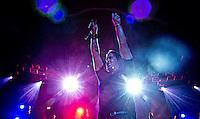 ATENCAO EDITOR FOTO EMBARGADA PARA VEICULOS INTERNACIONAIS. - SAO PAULO, SP, 25 DE NOVEMBRO DE 2012 - SHOW CREED EM SAO PAULO, A banda Creed durante apresentacao no Credicard Hall na regiao sul da capital paulista, neste domingo, 25. FOTO ANDREIA TAKAISHI BRAZIL PHOTO PRESS.