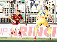 Calcio, Serie A: Frosinone vs Roma. Frosinone, stadio Comunale, 12 settembre 2015.<br /> Roma&rsquo;s Iago Falque, left, is challenged by Frosinone&rsquo;s Aleandro Rosi during the Italian Serie A football match between Frosinone and Roma at Frosinone Comunale stadium, 12 September 2015.<br /> UPDATE IMAGES PRESS/Isabella Bonotto