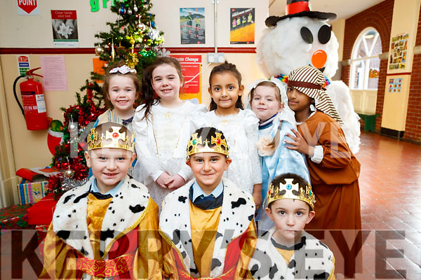Presentation primary School play on Wednesday 13th December. Front Row: Edonis Neziri, Philip Atallah, Thomas Walsh. Back Row: L-R McKenzie Mongans, Lexi Mulvihill, Prisca Bagaglini, Summer Birch, Adalia Ajish