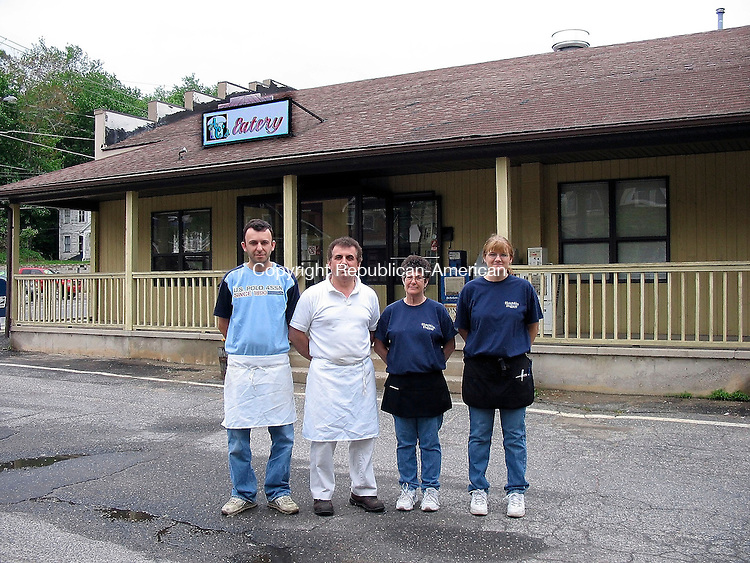 Torrington, CT- 29 MAY 2005- 052905DA01.JPG - AC's Eatery. l-r (owners) Al Shuki, and Rick Dauti. (waitresses) Maryjane Nuhn, and Debra Totino.<br /> For marketplace. Staff photo. Darlene Douty.