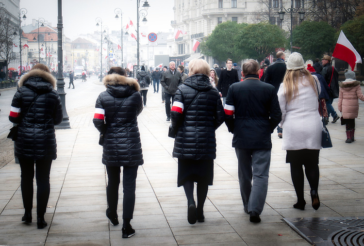Warszawa 2018-11-11. Krakowskie Przedmieście w dniu obchodów  100. rocznicy Narodowego Święta Niepodległości.