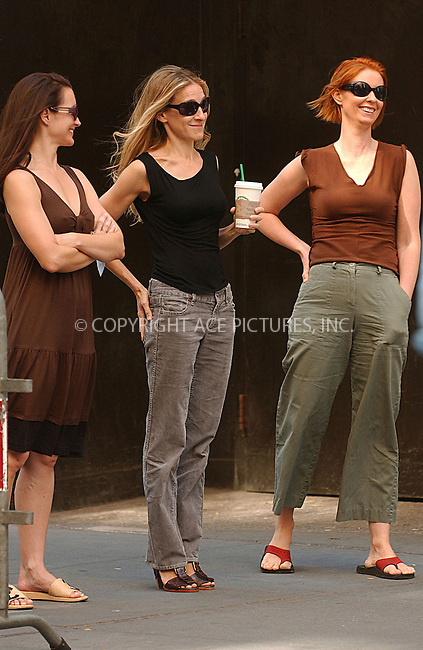 WWW.ACEPIXS.COM . . . . .....September 24, 2007. New York City.....Actresses Kristin Davis, Sarah Jessica Parker, and Cynthia Nixon film a scene for their upcoming movie 'Sex and the City in New York City...  ....Please byline: Kristin Callahan - ACEPIXS.COM..... *** ***..Ace Pictures, Inc:  ..Philip Vaughan (646) 769 0430..e-mail: info@acepixs.com..web: http://www.acepixs.com
