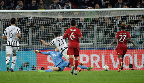 23.02.2016. Turin, Italy. UEFA Champions League football. Juventus versus Bayern Munich.  Goal scored by Paulo Dybala (Juventus Turin) for 1:2