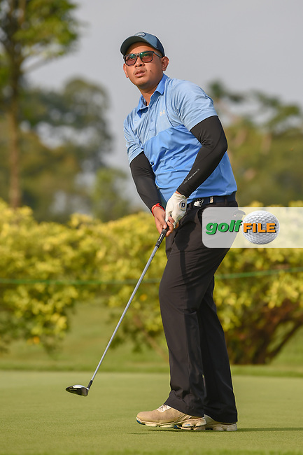Vanseiha SENG (CAM) watches his tee shot on 3 during Rd 1 of the Asia-Pacific Amateur Championship, Sentosa Golf Club, Singapore. 10/4/2018.<br /> Picture: Golffile   Ken Murray<br /> <br /> <br /> All photo usage must carry mandatory copyright credit (© Golffile   Ken Murray)