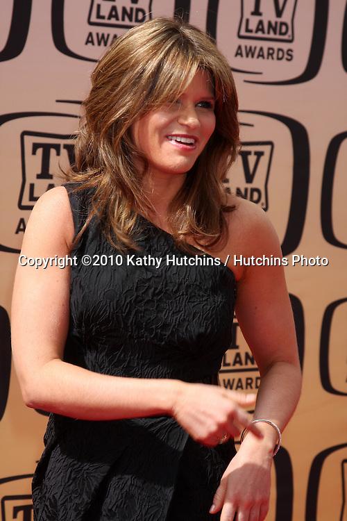 Ari Meyers.arrives at the 2010 TV Land Awards.Sony Studios.Culver City, CA.April 17, 2010.©2010 Kathy Hutchins / Hutchins Photo...
