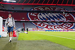 23.05.2020, Allianz Arena, München, GER, 1.FBL, FC Bayern München vs Eintracht Frankfurt 23.05.2020 , <br /><br />Nur für journalistische Zwecke!<br /><br />Gemäß den Vorgaben der DFL Deutsche Fußball Liga ist es untersagt, in dem Stadion und/oder vom Spiel angefertigte Fotoaufnahmen in Form von Sequenzbildern und/oder videoähnlichen Fotostrecken zu verwerten bzw. verwerten zu lassen. <br /><br />Only for editorial use! <br /><br />DFL regulations prohibit any use of photographs as image sequences and/or quasi-video..<br />im Bild<br />Leon Goretzka (München) <br /> Foto: Peter Schatz/Pool/Bratic/nordphoto