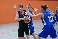 Lisa Deichmann (TV Groß-Gerau 2) gegen Spielertrainerin Claudia Konrad (Wallerstädten) - Wallerstädten 03.11.2019: SKG Wallerstädten vs. TV Groß-Gerau 2, Bezirksliga Darmstadt