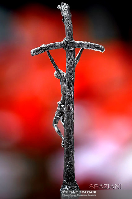"The Pastoral in the hands of five popes.<br /> Pastoral Cross of Paul VI (Lello Scorzelli - 1965)<br /> The ministry that is used by the pope, is called ""ferrule"".<br /> It is used by Pope Paul VI in 1965.<br /> It is used by Pope John Paul I for 33 days in 1978.<br /> It is used by Pope John Paul II in 1978.<br /> It is used by Pope Benedict XVI from 2005 to 2008.<br /> It is used by Pope Francesco.<br /> Pope Francis celebrates the Vespers and Te Deum prayers in Saint Peter's Basilica at the Vatican on December 31, 2015"