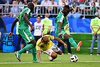 SAMARA - RUSIA, 28-06-2018: Kalidou KOULIBALY (Izq) y Salif SANE (Der) jugadores de Senegal disputan el balón con Luis MURIEL (C) jugador de Colombia durante partido de la primera fase, Grupo H, por la Copa Mundial de la FIFA Rusia 2018 jugado en el estadio Samara Arena en Samara, Rusia. /  Kalidou KOULIBALY (L) and Salif SANE (R) players of Senegal fight the ball with Luis MURIEL (L) player of Colombia during match of the first phase, Group H, for the FIFA World Cup Russia 2018 played at Samara Arena stadium in Samara, Russia. Photo: VizzorImage / Julian Medina / Cont