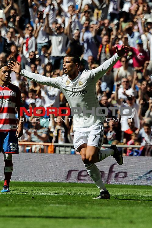 05.04.2015, Santiago Bernabéu, Madrid, ESP,La LIGA 2014/2015,  Real Madrid v Granada C.4, im Bild   Real Madrid¥s Cristiano Ronaldo celebrates a goal . Foto © nph / Luis Fernandez)