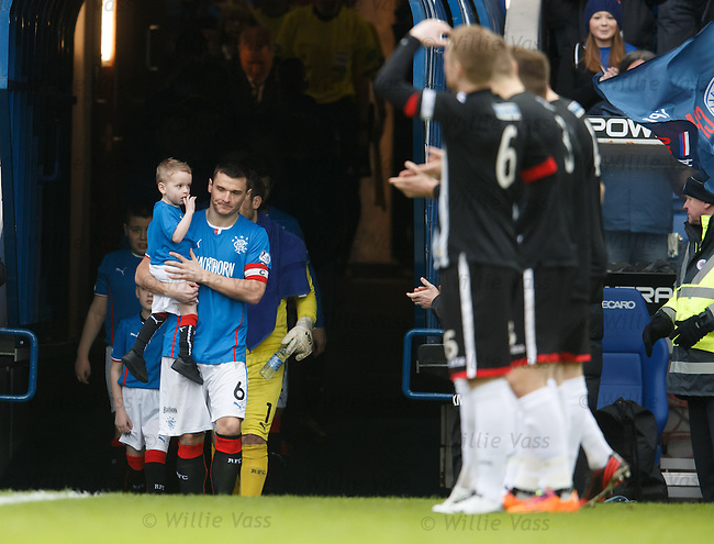Lee McCulloch leads out Rangers to a guard of honour from Dunfermline