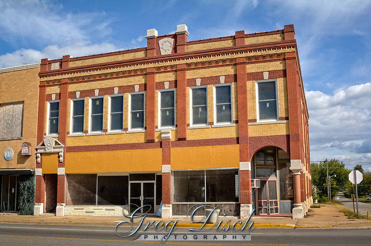 One of the old builings on Main Street, route 66 in Baxter Springs Kansas.  This use to be the location for Bill Murphey's Resturant, a favorite on Route 66.