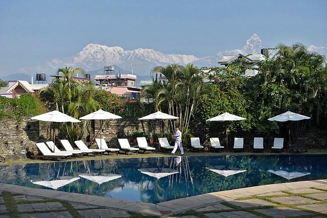 Himalayas above Shangri La hotel Pool
