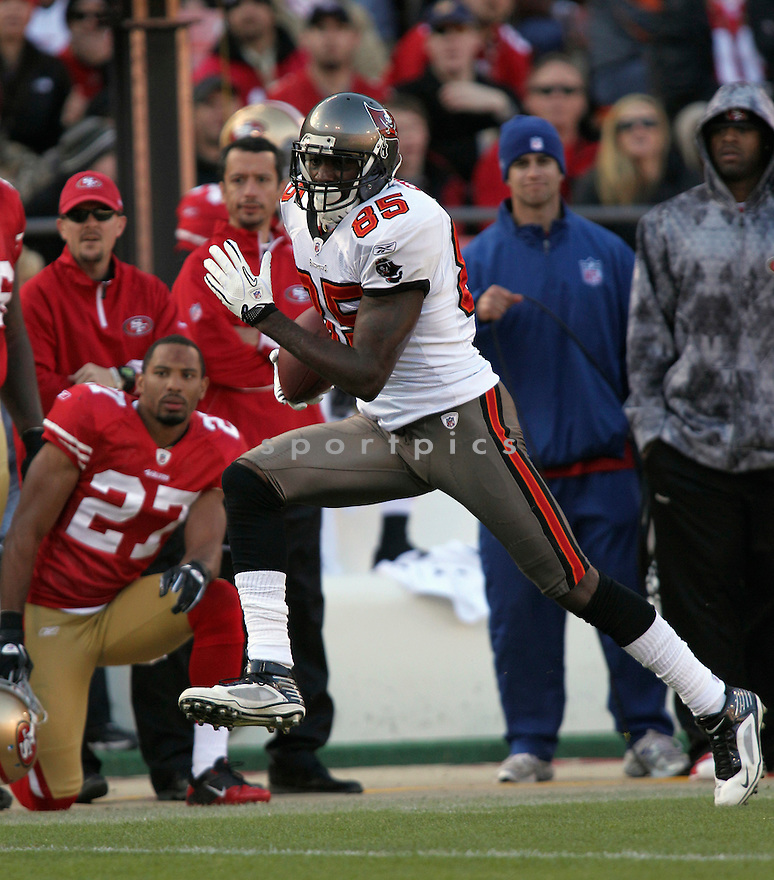 MAURICE STOVALL, of the Tampa Bay Buccaneers in action during the Buccaneers game against the San Francisco 49ers on November 21, 2010 at Candlestick Park in San Francisco, California...Buccaneers beat the 49ers 21-0.