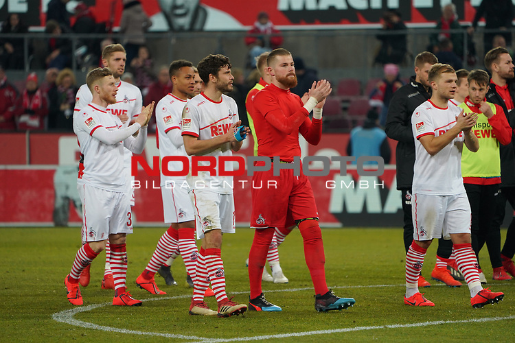08.02.2019, RheinEnergieStadion, Koeln, GER, 2. FBL, 1.FC Koeln vs. FC St. Pauli,<br />  <br /> DFL regulations prohibit any use of photographs as image sequences and/or quasi-video<br /> <br /> im Bild / picture shows: <br /> die koelner bedanken sich bei den Fans <br /> <br /> Foto &copy; nordphoto / Meuter