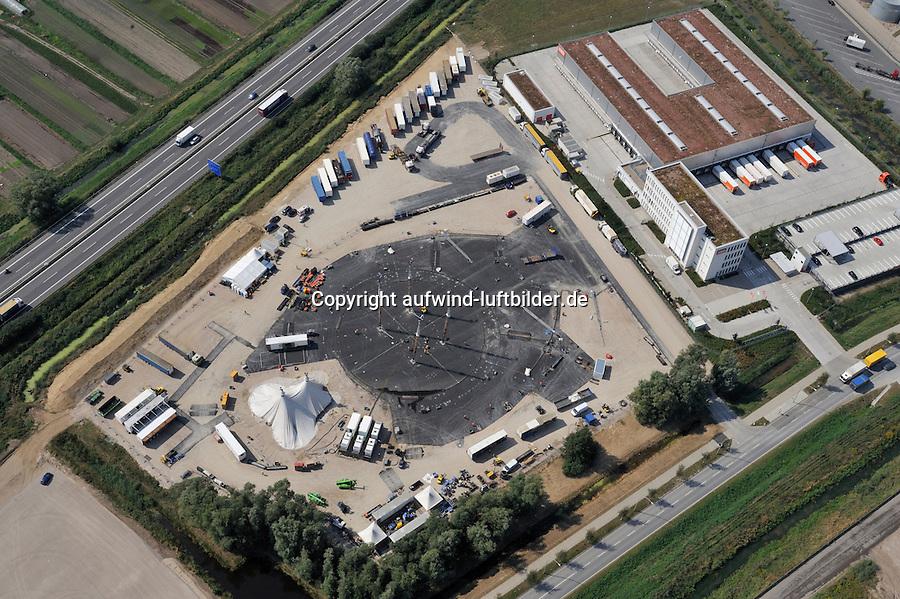 Cirque du Soleil - Varekai:EUROPA, DEUTSCHLAND, HAMBURG 20.08.2009: Cirque du Soleil - Varekai, Zelt, Aufbau, Moorfleet, Billwerder, Ordnung, Logistik, Veranstaltung, Theater,