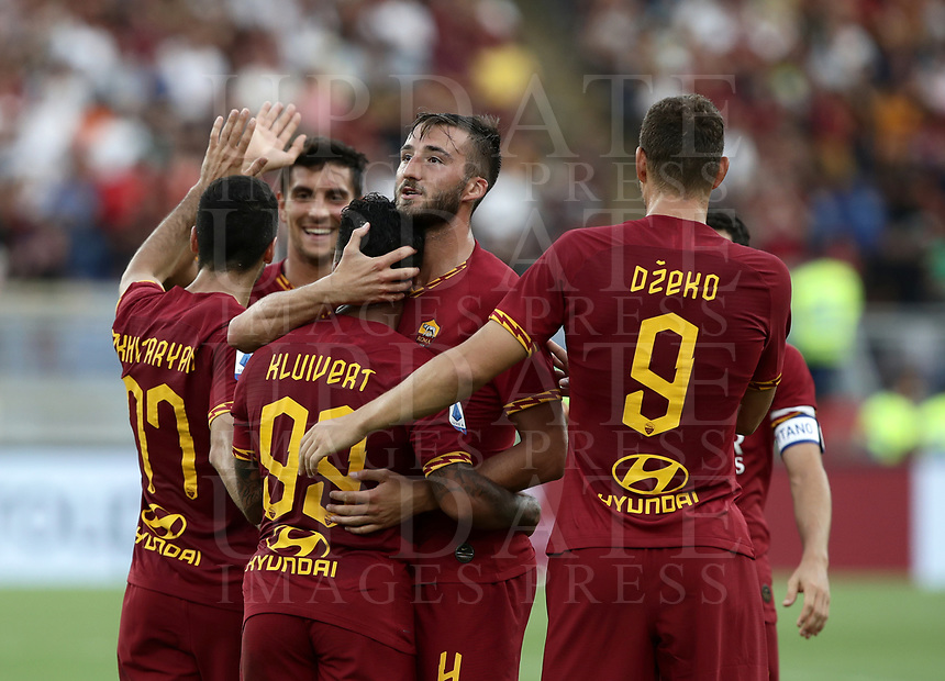 Football, Serie A: AS Roma - Sassuolo, Olympic stadium, Rome, September 15, 2019. <br /> Roma's Justin Kluivert celebrates after scoring with his teammates during the Italian Serie A football match between Roma and Sassuolo at Olympic stadium in Rome, on September 15, 2019.<br /> UPDATE IMAGES PRESS/Isabella Bonotto