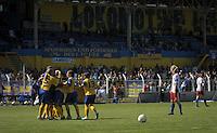 Fussball, 2. Bundesliga, Frauen. Lok Leipzig gegen HSV II. im Bild: Die Lok-Damen bejubeln den Treffer von Safi Nyembo..Foto: Alexander Bley