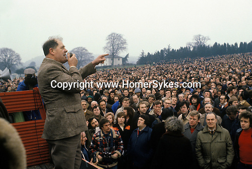 """Union activist Derek """"Red Robbo"""" Robinson Union Leader at British Leyland Longbridge car plant Birmingham. Robinson is sacked, voters eventually voted against a strike to support him. Crofton Park 20 February 1980"""