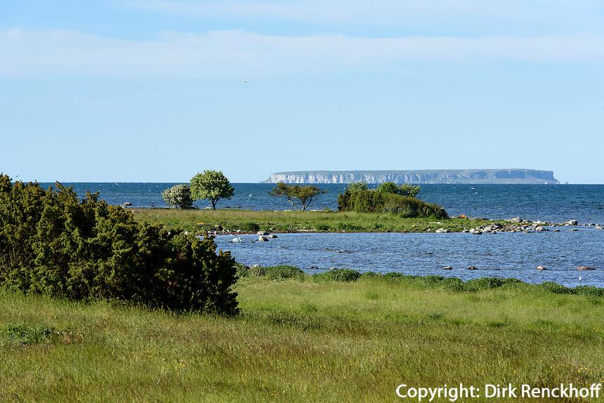 Landschaft bei Fr&ouml;jel mit Blick auf Insel Lille Karls&ouml;, Gotland, Schweden, Europa<br /> scenery near Fr&ouml;jel and Lille Karls&ouml; island, Isle of Gotland, Sweden