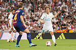 Real Madrid's Luka Modric and FC Barcelona's Ivan Rakitic during Supercup of Spain 2nd match at Santiago Bernabeu Stadium in Madrid, Spain August 16, 2017. (ALTERPHOTOS/Borja B.Hojas)