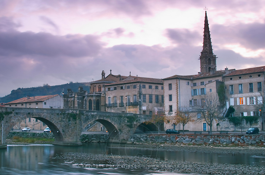 The gothic St Martin Church and the bridge across the l'Aude river. Town of Limoux. Limoux. Languedoc. Aude river. France. Europe.