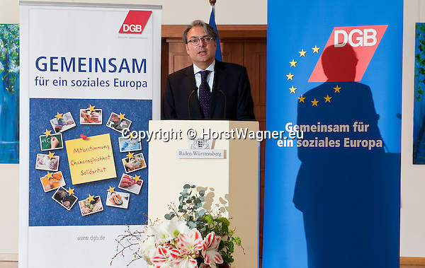 Brussels-Belgium - April 24, 2013 -- 'A Marshall Plan for Europe', a presentation / speech by Michael Sommer, President of the German Trade Union Confederation (DGB, Deutscher Gewerkschaftsbund), at the Representation of Baden-Württemberg to the EU; here, Johannes JUNG, Director of the Representation of B-W -- Photo: © HorstWagner.eu