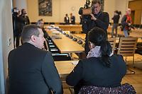 """3. Sitzungstag des Berliner """"Amri-Untersuchungsausschuss"""".<br /> Am Freitag den 22. September 2017 fand die 3. Sitzung des sogenannte """"Amri-Untersuchungsausschuss des Berliner Abgeordnetenhaus. Statt.<br /> Als Zeugen waren geladen Innen-Staatssekretär Bernd Kroemer (CDU) der wegen Krankheit nicht erschien und Kriminaldirektor Dennis Golcher, Leiter der kripointernen Task Force """"Lupe"""" die den Terroranschlag und dessen Aufklaerung untersucht.Der Zeuge Golcher untersagte Film- und Fotoaufnahmen mit dem Hinweis auf Persoenlichkeitsrechte.<br /> Der Amri-Untersuchungsausschuss will versuchen die diversen Unklarheiten im Fall des Weihnachtsmarkt-Attentaeters zu aufzuklaeren.<br /> Im Bild vlnr.: Herr Kloesters und Frau Passin, zwei der Hinterbliebenen des Terroranschlag vom 19. Dezember 2016. <br /> 22.9.2017, Berlin<br /> Copyright: Christian-Ditsch.de<br /> [Inhaltsveraendernde Manipulation des Fotos nur nach ausdruecklicher Genehmigung des Fotografen. Vereinbarungen ueber Abtretung von Persoenlichkeitsrechten/Model Release der abgebildeten Person/Personen liegen nicht vor. NO MODEL RELEASE! Nur fuer Redaktionelle Zwecke. Don't publish without copyright Christian-Ditsch.de, Veroeffentlichung nur mit Fotografennennung, sowie gegen Honorar, MwSt. und Beleg. Konto: I N G - D i B a, IBAN DE58500105175400192269, BIC INGDDEFFXXX, Kontakt: post@christian-ditsch.de<br /> Bei der Bearbeitung der Dateiinformationen darf die Urheberkennzeichnung in den EXIF- und  IPTC-Daten nicht entfernt werden, diese sind in digitalen Medien nach §95c UrhG rechtlich geschuetzt. Der Urhebervermerk wird gemaess §13 UrhG verlangt.]"""