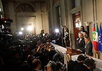 I capigruppo del MoVimento 5 Stelle alla Camera Roberta Lombardi, a destra, e al Senato Vito Crimi, al termine delle consultazioni col Capo dello Stato per la formazione del nuovo governo, al Quirinale, Roma, 23 aprile 2013..Italian Five Stars Movement's head of deputies Roberta Lombardi, right, and head of senator Vito Crimi, meet the press at the end of his talks with Head of State on the formation of a new government, at the Quirinale presidential palace, Rome, 23 April 2013..UPDATE IMAGES PRESS/Riccardo De Luca