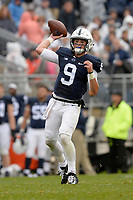 STATE COLLEGE, PA - SEPTEMBER 02:  Penn State QB Trace McSorley (9) throws a pass. The Penn State Nittany Lions defeated the Akron Zips 52-0 on September 2, 2017 at Beaver Stadium in State College, PA. (Photo by Randy Litzinger/Icon Sportswire)