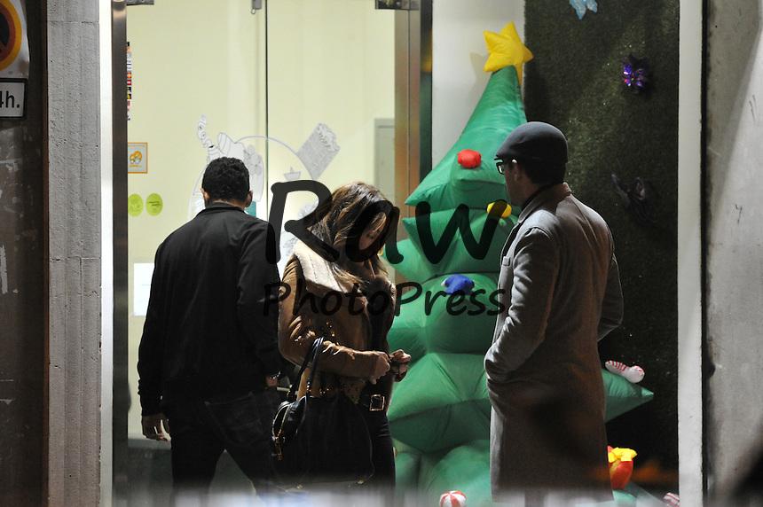Risto Mejide y Ruth Jim&eacute;nez han salido a dar un paseo por la noche en Madrid.<br /> <br /> Risto Mejide and Ruth Jimenez out and about in Madrid.