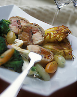 Europe/Suisse/Saanenland/Gstaad: Pascaline de selle de lapin farcie au foie gras - Recette de Robert Speth chef du Chesery