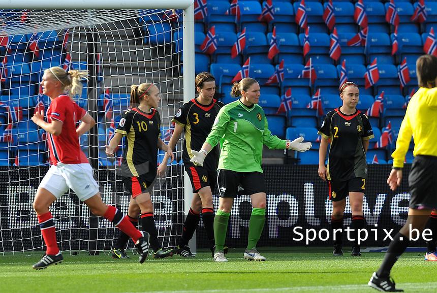 Norway : UEFA Women's Euro Qualifying group stage (Group 3) - 15/09/2012  - Oslo - Ullevaal Stadion : Norway  (Noorwegen) - BELGIUM ( Belgie) : Sofie Van Houtven teleurgesteld met de 0-2.foto DAVID CATRY / Vrouwenteam.be