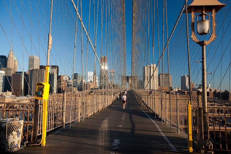 Brooklin Bridge in the morning